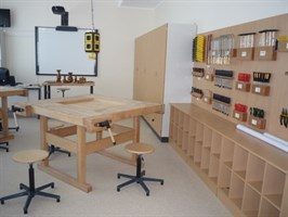 Комплект оборудования для мастерскойстроительного профиля на 8 учеников